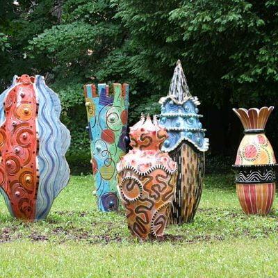 5 sculptures en céramique émaillée, 150cm