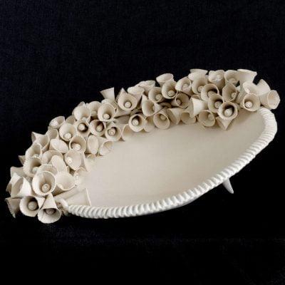 coupe-aux-corolles-1-2019-sculpture-en-gres-blanc-01